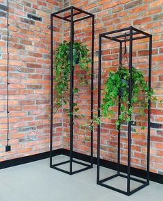 Urban Industrial Decor Tips From The Pros Have you been thinking about making changes to your home? Indoor Garden, Indoor Plants, Home And Garden, Garden Beds, House Plants Decor, Plant Decor, Garden Design, House Design, Inside Plants