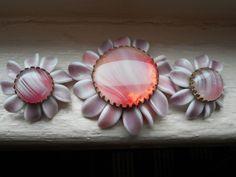 PINK ART GLASS DEMI PARURE /BROOCH  EARRINGS/ W GERMANY