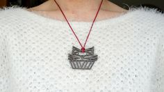 Zazzy's 3D printed jewelry featured on fashion blogger Kittehscupcakes. Read what Larissa from Kittehscupcakes says about our custom origami pendant