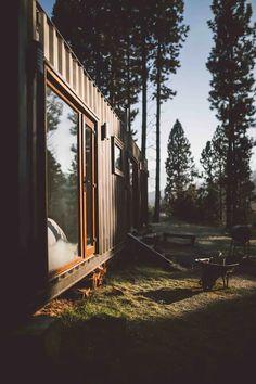 Casa Container Coyhaique. - Casas miniatura en renta en Coyhaique, XI Región, Chile Cabin Fever, Railroad Tracks, Exterior, Renta, House, Inspiration, Koh Tao, Popular, Container Home Designs