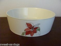 Block Poinsettia by Mary Lou Goertzen Small Bowl - Christmas Poinsettia 1982