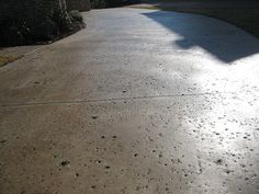rock salt finish driveway, colored with acid stain Pool Decking Concrete, Colored Concrete Patio, Acid Concrete, Concrete Driveways, Concrete Design, Concrete Pathway, Stamped Concrete, Polished Concrete, Country Landscaping