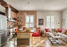 Sala e cozinha conjugadas... ideal para receber amigos...