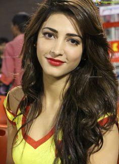 Shruti Hassan ...love the red lips!
