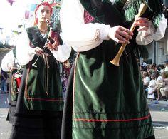 Misa asturiana en Guadarrama, con tenor y banda de gaitas