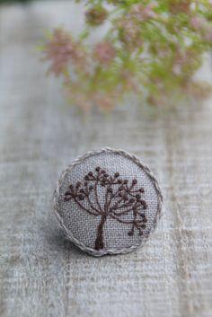 Брошь, вышитая брошь, брошь с вышивкой, брошка, вышитая брошка, брошка с вышивкой, вышивка, украшения ручной работы, ручная работа, вышитые цветы, цветок, полевые цветы, травы