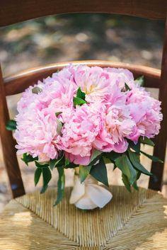 bousuet peonies June wedding in Provence