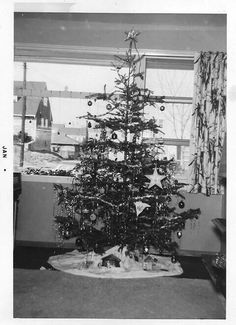 Christmas 1956 Vintage Christmas Photos, Holiday Images, Victorian Christmas, Retro Christmas, Christmas Pictures, Xmas Photos, Vintage Holiday, Christmas Room, Christmas Scenes