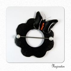 BIJOU CHALE VINYL PAPILLON NOIR ET ORANGE - Boutique www.magicreation.fr