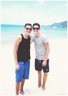 @Antoni Cantone Cantone Nadal Bvo and Finn Harries can you guys follow me?:)