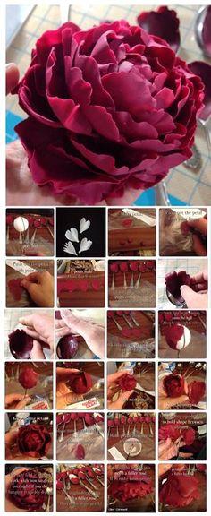 fondant flower peony (gum paste, too? Sugar Paste Flowers, Icing Flowers, Fondant Flowers, Cake Flowers, Flower Cakes, Edible Flowers, Diy Flowers, Fondant Figures, Fondant Cakes