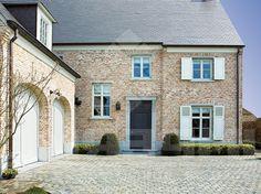 Kandla Grey, platine - Zandsteen. Natuursteen tegel geschikt voor terrassen, opritten, wandelpaden. Rustieke en moderne woningen.