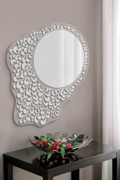 What an adorable mirror!