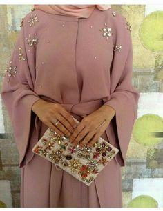 Modest Fashion Hijab, Modern Hijab Fashion, Hijab Chic, Abaya Fashion, Muslim Fashion, Casual Hijab Outfit, Fashion Outfits, Chic Outfits, Estilo Abaya