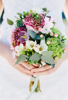 Hochzeitsinspiration: Heiraten am Forggensee @Goldstaub Fotografie http://www.hochzeitswahn.de/inspirationsideen/hochzeitsinspiration-heiraten-am-forggensee/ #love #flowers #shooting