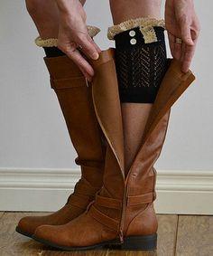 "Smart way to ""kick up"" boots"