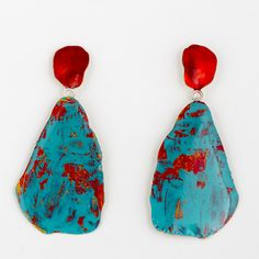 Painted brass earrings by Johanne Ratté @lesjoanneries 2016. #brass #brassjewelry #pendant earrings #bluegreenearrings