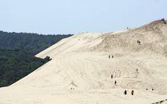 """Es la duna de Pilat, muy cerca de Burdeos, a 70 kilómetros de Burdeos y próxima a la localidad de Arcachon, los franceses consideran a este ecosistema su """"desierto"""" www.turismoeuropeo.es"""