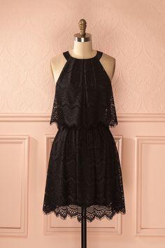 Elle était resplendissante avec sa magnifique robe en dentelle ! She was dazzling with her stunning lace dress! Black lace halter dress https://1861.ca/collections/products/nabee-secret