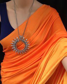 Saree Jacket Designs, Saree Blouse Patterns, Ethnic Fashion, Indian Fashion, Indian Sarees, Silk Sarees, Saree Dress, Sari, Formal Saree