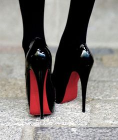 ♡ Loving these Christian Louboutin Heels with red sole ♡ Hot Heels, Sexy Heels, Cute Shoes, Me Too Shoes, Pretty Shoes, Talons Sexy, Killer Heels, Black High Heels, Black Stilettos
