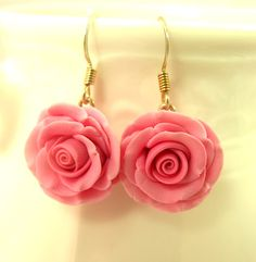 Pink hand sculpted polymer clay rose earrings by Rosarium1 on Etsy