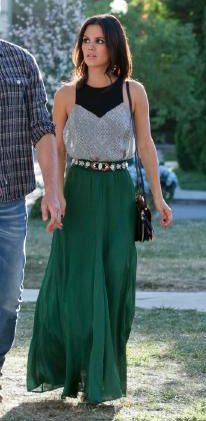 Zoe's green maxi skirt and grey and black panel top on Hart of Dixie.  Outfit Details: http://wornontv.net/23478/ #HartofDixie