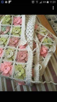 Knit vest models # Tigis of de ganchillo Crochet Flower Patterns, Baby Knitting Patterns, Crochet Motif, Crochet Flowers, Crochet Stitches, Poncho Crochet, Crochet Shirt, Crochet Yarn, Diy Crafts Crochet