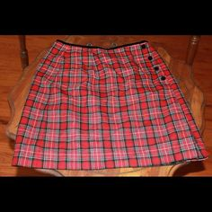Plaid skirt Worn a couple of times. In great shape. Hits above the knees. Villager sport (liz clairborne) Skirts Mini