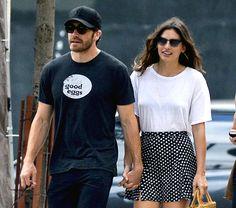Jake Gyllenhaal Holds Hands With New Girlfriend Alyssa Miller