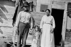 """""""Indian"""" or Métis family, Kettle Rapids, Location: Kettle Rapids, Manitoba Aboriginal History, Aboriginal Art, Canadian History, Native American History, Navajo, Canada, Red River, Mountain Man, Historical Pictures"""