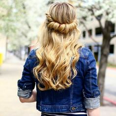 55 Beautiful Long Blonde Hair Styles — Angelic Designs Check more at http://hairstylezz.com/best-long-blonde-hair-styles/