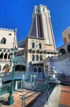 'Italy in Vegas' by Linda Edgecomb  hotel venetian el Las Vegas