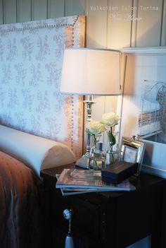 Guest bedroom Bedrooms, Table Lamp, Cottage, Lighting, Home Decor, Quartos, Homemade Home Decor, Casa De Campo, Bed Room