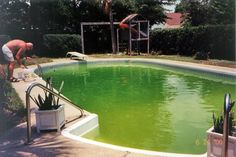 Salt Water Systems vs Chlorine In Swimming Pools - the pros & cons of each