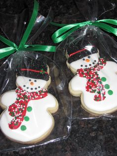 Sugar Cookies With Sprinkles, Sour Cream Sugar Cookies, Sugar Cookie Royal Icing, Lemon Sugar Cookies, Chewy Sugar Cookies, Cupcake Cookies, Christmas Party Food, Christmas Sweets, Xmas Food