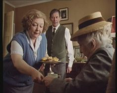The Mirror Crack'd from Side to Side. Judy Cornwell as Heather Badcock, Joan Hickson as Miss Marple. (Miss Marple TV Series. Agatha Christie's Marple, Agatha Christie's Poirot, Hercule Poirot, Miss Marple Tv Series, Mystery Show, Detective Series, Partners In Crime, How To Memorize Things, Actors