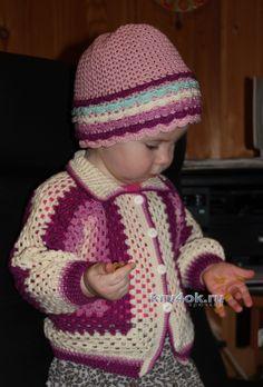 Детская кофточка крючком - работа Елены Аферовой
