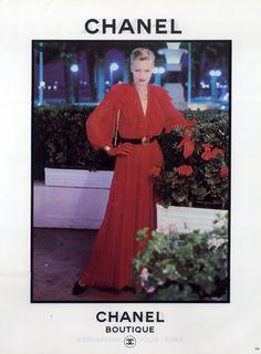 Chanel - Boutique 1981 Evening Gown, Handbag, Jewel...