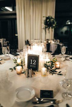 Flowerless Centerpieces, Vintage Wedding Centerpieces, Greenery Centerpiece, Centerpiece Ideas, No Flower Centerpieces, Simple Centerpieces, Inexpensive Wedding Centerpieces, Simple Wedding Decorations, Round Table Decorations