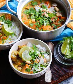 Vegan Thai Massaman curry with tofu, sweet potatoes and winter squash | by Maikin mokomin