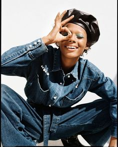 Discover the new ZARA collection online. The latest trends for Woman, Man, Kids and next season's ad campaigns. Foto Fashion, Fashion Shoot, Denim Fashion, Fashion Trends, Fashion Ideas, Editorial Denim, Editorial Fashion, Jacket Outfit, Denim Outfit