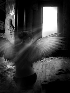 """""""Si tu ressent des frissons c'est qu'un ange te frôle de ces ailes If you feel chills it's like an angel brushing you with these wings"""" Angels Among Us, Angels And Demons, Fallen Angels, Dark Angels, Foto Software, Foto Fantasy, I Believe In Angels, Ange Demon, Angel And Devil"""