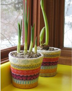 upcycle old sweater to planter cover and 50+ other projects to make from recycled sweaters
