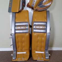 Custom CCM Retro Flex setup. Goalie Pads, Goalie Gear, Hockey Goalie, Retro, Cool Stuff, Sweet, Candy, Retro Illustration, Mid Century
