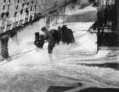 A heavy sea crossing the deck of the Parma (1902) - National Maritime Museum