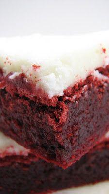 Heidi Bakes: Red Velvet Brownies