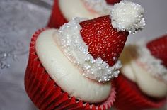 YOU MUST LOOK!!!  Lots of AMAZING cupcake recipes for Christmas!!!  <3 <3 <3
