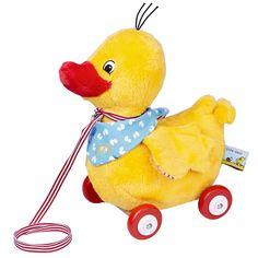 Jetzt folgt Ente Nelli dir auf Schritt und Tritt! Ziehe die kuschelige Ente aus Plüsch einfach hinter dir her. Mit Holzrollen.