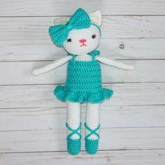 Free Crochet Kitty Pattern- Ballerina - thefriendlyredfox.com